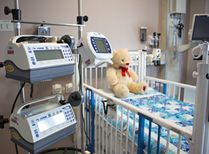PICU room with crib